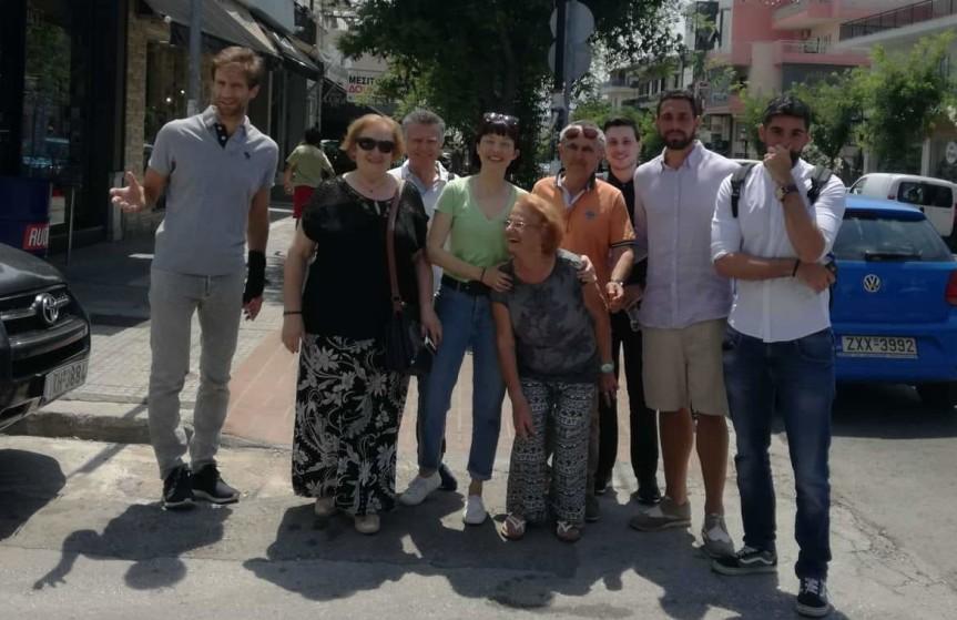 Από την σημερινή μας περιοδεία στα μαγαζιά, τα καφενεία και τις υπηρεσίες στηνΠετρούπολη